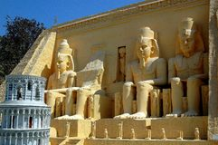 Pattaya, Thailand: Abu Simbel Ramses Statues bei Mini Siam Lizenzfreie Stockbilder