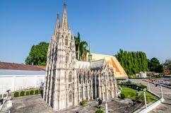 PATTAYA, THAILAND - April 10 2016: De Kathedraalreplica van Keulen in Mini Siam in pattaya Stock Foto