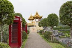Pattaya, Thailand 23,2018 Februari: Engelse telefooncellen binnen Stock Foto's