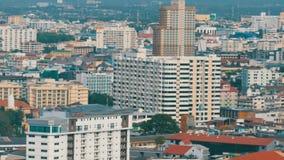 PATTAYA THAILAND - Februari 7, 2018: Höghus i Pattaya Mång--våning hotell-, andelslägenhet- och hussikt arkivfilmer