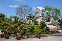 Pattaya Thailand miljon år fossil arbeta i trädgården, och krokodilen parkerar Royaltyfria Foton