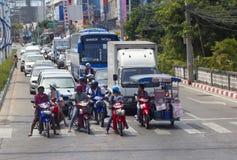 pattaya vägthailand trafik arkivfoto