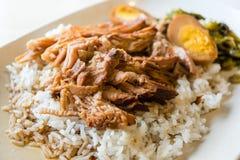 Patte cuite de porc sur le riz Images stock