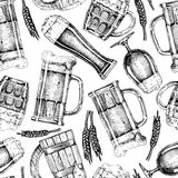 Pattern with beer glasses and mugs Royalty Free Stock Images