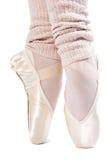 Pattes dans des chaussures de ballet 7 photos libres de droits