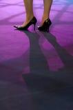 Pattes de femmes sur le podiume Photo libre de droits
