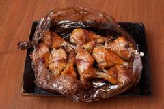 Pattes de poulet frit Préparez-vous en sauce de soja avec des épices photo libre de droits