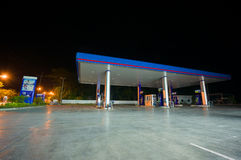 Patthalung, 02 july 2014: PTT gas station at night in Srinagarin Stock Images