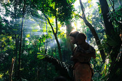 PATTHALUNG, TAILANDIA - 13 DE DICIEMBRE DE 2015: El Negrito de Tailandia Son una tribu del saa-gai que viven pacífico en el denso Foto de archivo libre de regalías
