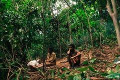 PATTHALUNG, THAILAND - 13. DEZEMBER 2015: Das Negrito von Thailand Sie sind ein saa-gai Stamm, die friedlich im dichten und im im Lizenzfreie Stockfotografie