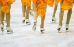 Pattinaggio su ghiaccio su ghiaccio Fotografie Stock Libere da Diritti