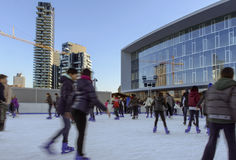 Pattinando sul ghiaccio al hub #3 di affari, Milano Immagini Stock Libere da Diritti