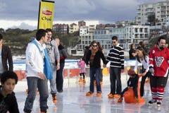 Pattinare di ghiaccio su una spiaggia Fotografia Stock Libera da Diritti