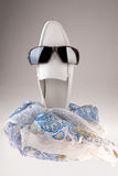 Pattini ed occhiali da sole fotografia stock libera da diritti