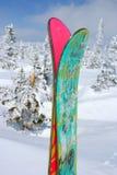 Pattino e montagna della neve Fotografia Stock Libera da Diritti