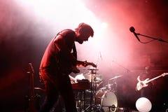 Pau Vallve muzyki ludowa zespół wykonuje w koncercie przy Apolo miejscem wydarzenia Fotografia Royalty Free