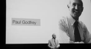 Paul Godfrey voor zijn eigen beeld Stock Afbeelding