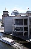 Paul-Lóbulo-Haus y Reichstag Fotografía de archivo