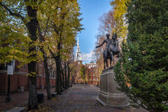 Paul Revere Statue und alte Nordkirche - Boston, Massachusetts, USA Lizenzfreie Stockbilder