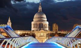 Pauls на ноче, Лондон St стоковое фото