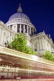 pauls Kathedrale nachts Lizenzfreies Stockfoto