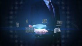 Paume ouverte d'homme d'affaires, divers périphériques mobiles reliant l'Internet de ` de la technologie de ` de choses