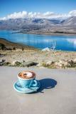 Pausa caffè nel lago Tekapo nell'isola del sud , la Nuova Zelanda Fotografia Stock Libera da Diritti