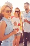 Pause-café avec des amis Image libre de droits