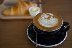Pause-café avec du pain Photographie stock