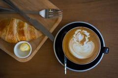 Pause-café avec du pain Photos stock
