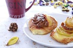 Pause-café avec la pâtisserie Photo stock