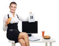 Pause-café dans le bureau image stock