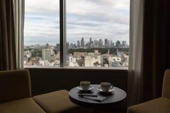 Pause-café dans notre hôtel à Tokyo Photographie stock