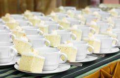 Pause-café et gâteau images stock