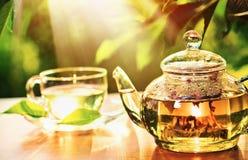 Pause café sur la nature Photo stock