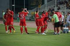Pause durante o jogo para beber a água, FC Ufa Imagens de Stock