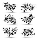 Pautas musicais alegres pretas do vetor com notas musicais Fotografia de Stock Royalty Free