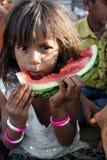 Pauvre fille indienne affamée Photographie stock libre de droits