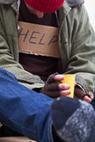Pauvre homme priant pour une aide photos stock