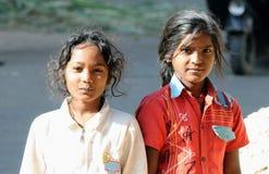 Pauvres filles avec de beaux coeurs et sourire doux Photographie stock