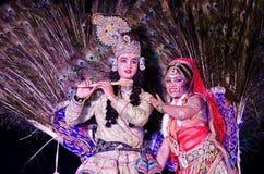 Pauwdans tijdens Woestijnfestival in Jaisalmer, Rajasthan, India Royalty-vrije Stock Afbeeldingen