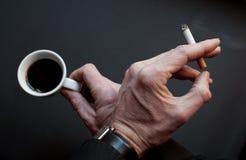 Pauze met koffie en sigaret royalty-vrije stock afbeeldingen