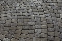 Pavés gris Greypaving pavé en cailloutis par trottoir Photos libres de droits
