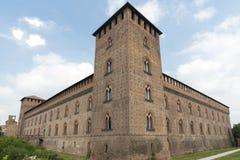 Pavía (Italia): castillo imagenes de archivo