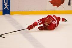 Pavel Datsyuk de los Detroit Red Wings estira hacia fuera Fotografía de archivo libre de regalías