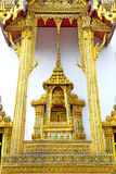 Pavement gold    temple       incision of the temple Royalty Free Stock Photography