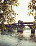 Pavia Borgo Ticino flod Arkivbild