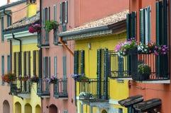 Pavia (Italia): case variopinte Immagini Stock