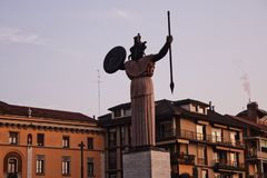 Pavia kvinnan i kriget royaltyfri fotografi