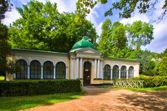 Pavilhão da mola da floresta - Marianske Lazne Marienbad - República Checa fotografia de stock